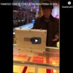 """""""Chinese cash"""". Ecco il famoso cinese con la valigetta…quella piena di soldi! [VIDEO]"""