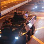 Veicoli militari cinesi sono entrati in Hong Kong. Violenze sessuali della polizia verso le manifestanti