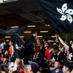 Hong Kong: manifestanti fischiano inno cinese alle qualificazioni di calcio.