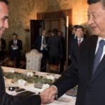 """Di Maio, il ministro """"cinese"""" che fa infuriare gli italiani"""