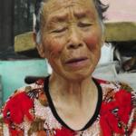 Cina: a vedove e anziani cattolici la Cina toglie i sussidi se non rinunciano a credere in Dio. {Video]