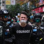 Hong Kong: decine di attivisti pro-democrazia arrestati, in manette un avvocato americano.  Imprigionati in base alla nuova legge sulla sicurezza voluta da Pechino