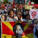 Scontri in Birmania, Facebook chiude la pagina dell'esercito: «Ha violato le regole sulla violenza»