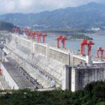 La Cina va avanti con la costruzione di altre dighe himalayane nonostante gli enormi rischi di catastrofi