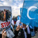Le donne uiguri manifestano a Istanbul contro i campi cinesi in occasione della Giornata internazionale della donna